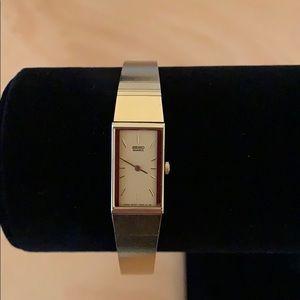Women's Vintage Seiko Quartz Thin Watch